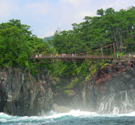 イチゴ狩りと門脇吊橋in城ヶ崎海岸